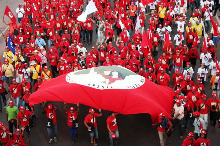 Chicago Teacher's Union? Nope. This is a rally of the largest social movement in Latin America, the Landless Workers' Movement.